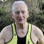 Un triatleta de 91 años de edad completa su competencia 41
