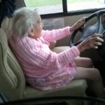 abuela conductora