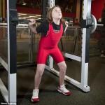 Una niña de 10 años rompe récord en levantamiento de pesas
